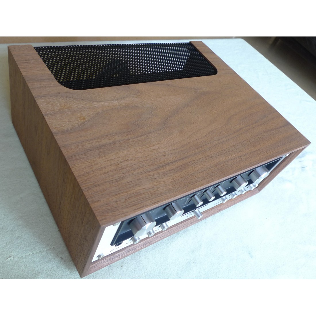 ampli pr ampli marantz 3200 140 ssp de 1975 77 2 x 75 watts vu m. Black Bedroom Furniture Sets. Home Design Ideas